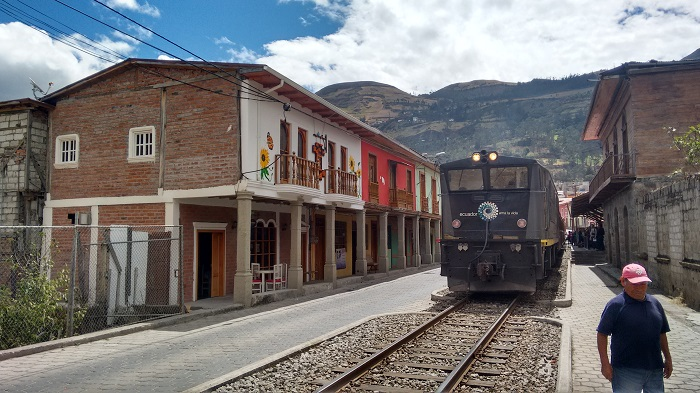 alausi-train-station (2)